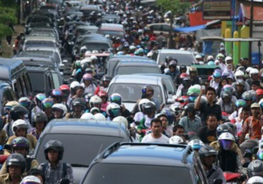 Tsunami warning evacuation in Indonesia