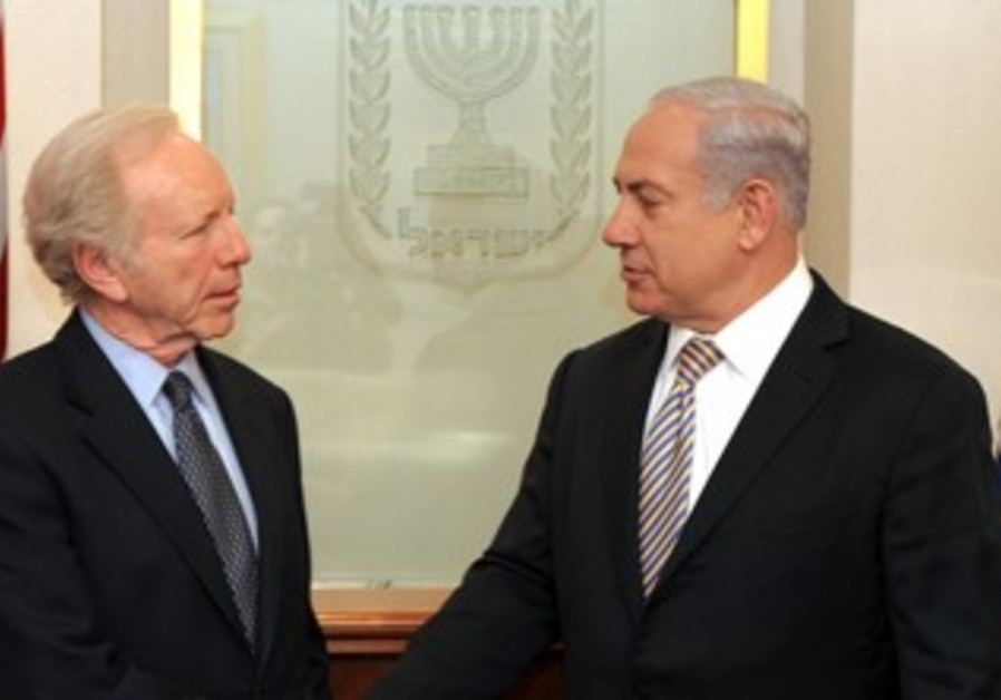 PM Netanyahu with US Senator Joe Lieberman