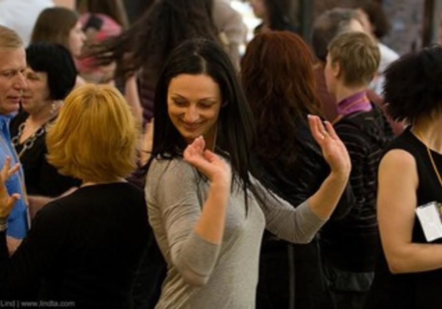 Russian-speaking Jew dances at Limmud confab