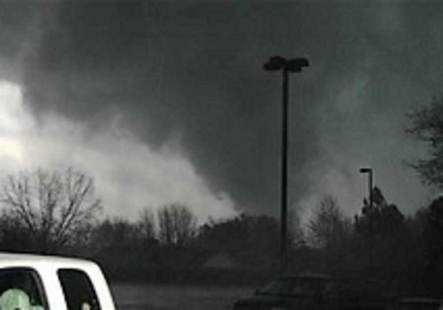 Tornadoes rip through southern US, killing 44