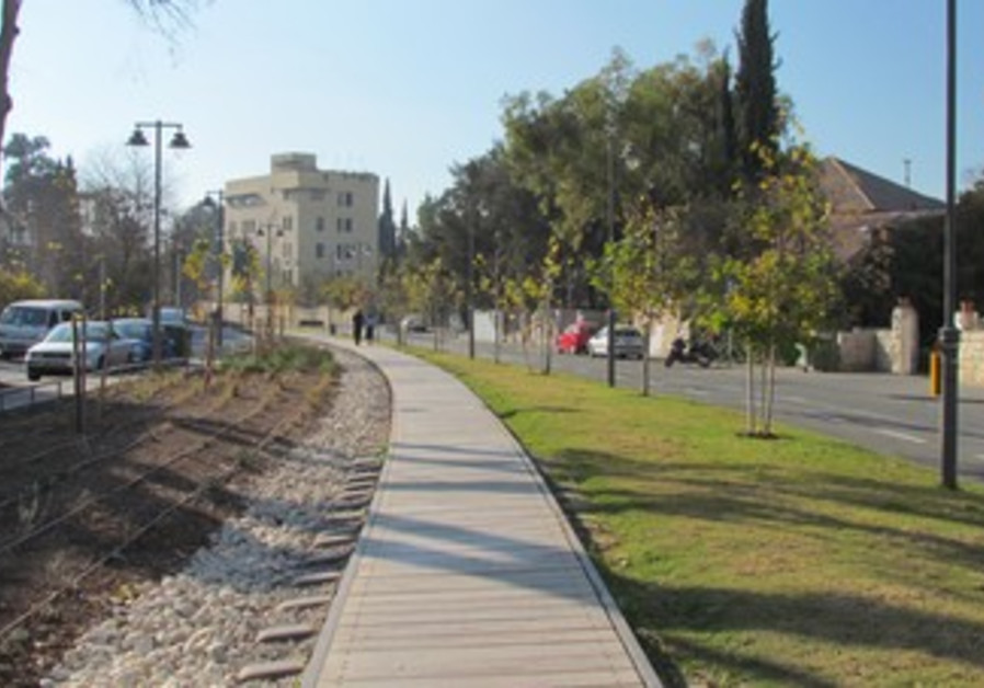 Train track walk