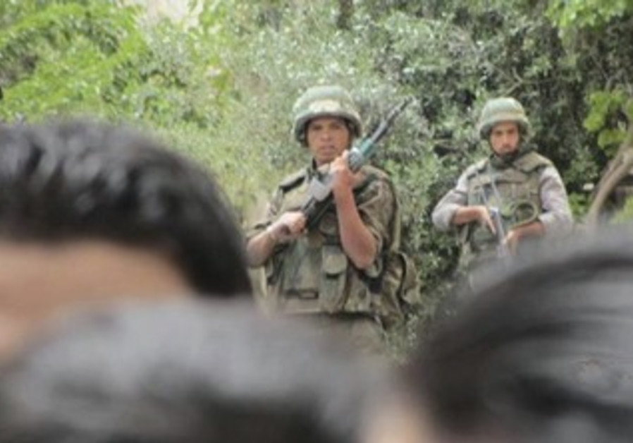 Syrian soldiers near Damascus
