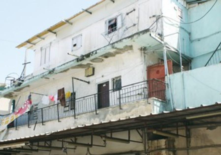 South Tel Aviv house hit by Molotov cocktail