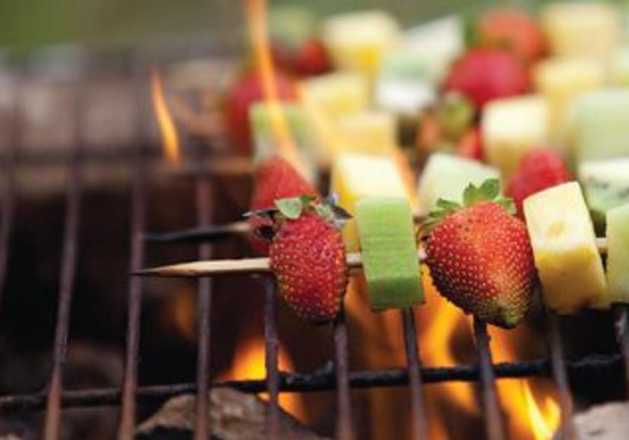 Fruit and vegetable kebab