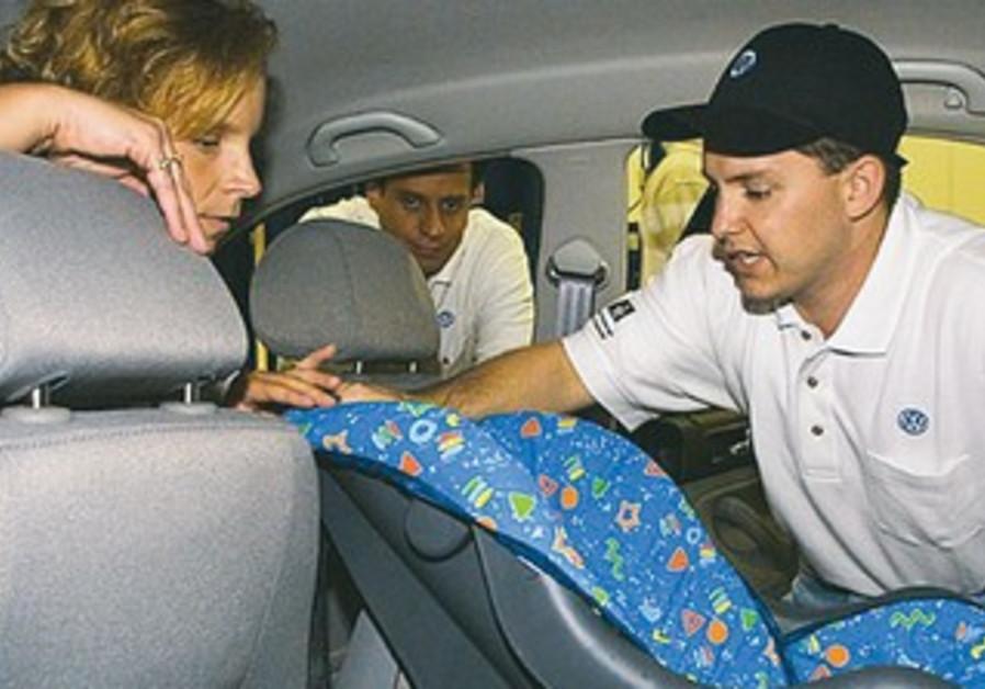 Infant, toddler car seat