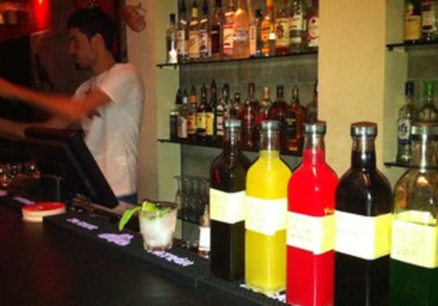Barman Charlie at Heder 140