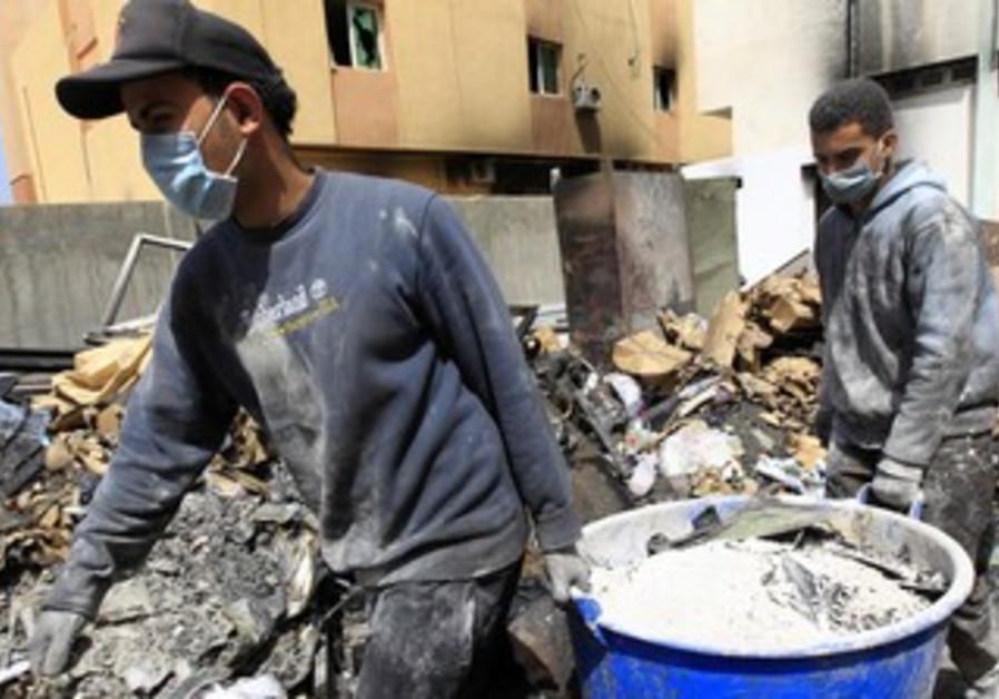 Arab workers in Zawiyah, Libya