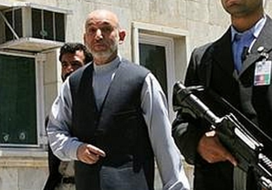 Afghan President Hamid Karzai and bodyguards 298