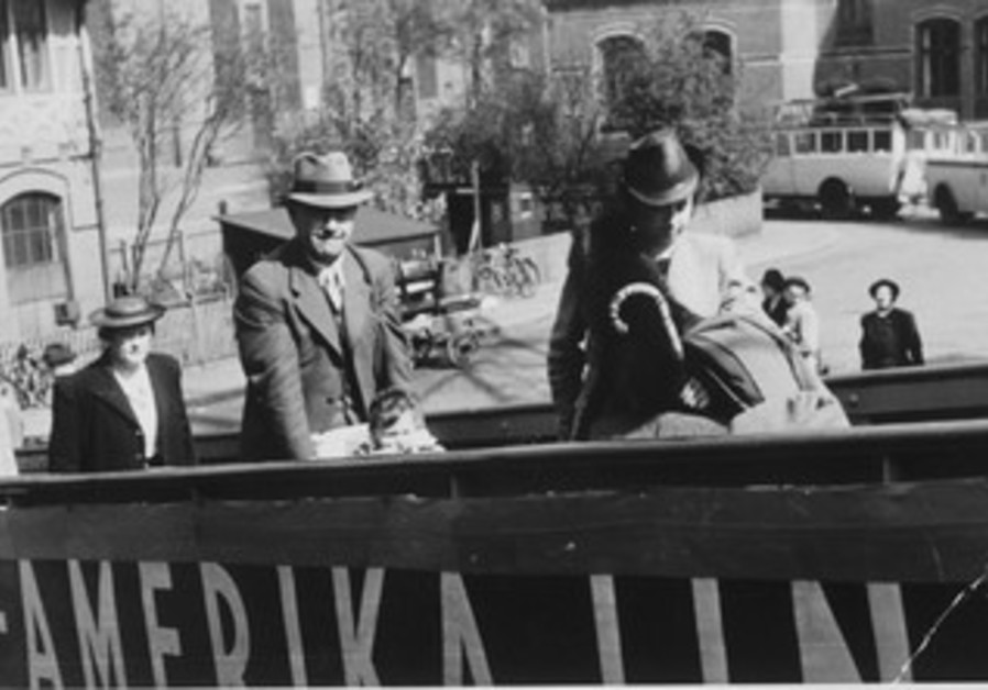 Heldenmuth family members board SS St. Louis