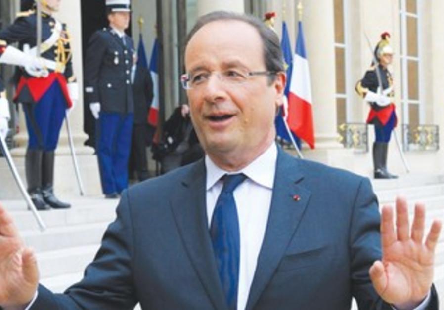 FRENCH PRESIDENT François Hollande 370