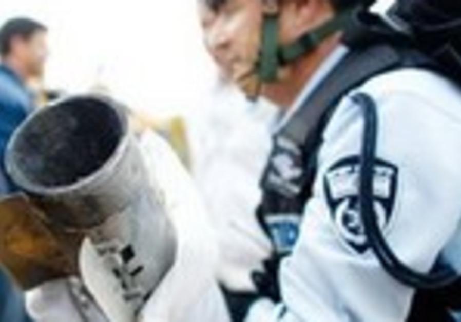 Police move grad rocket shell