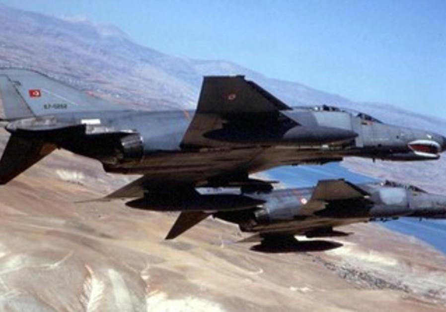 Turkish F-4 fighter jets