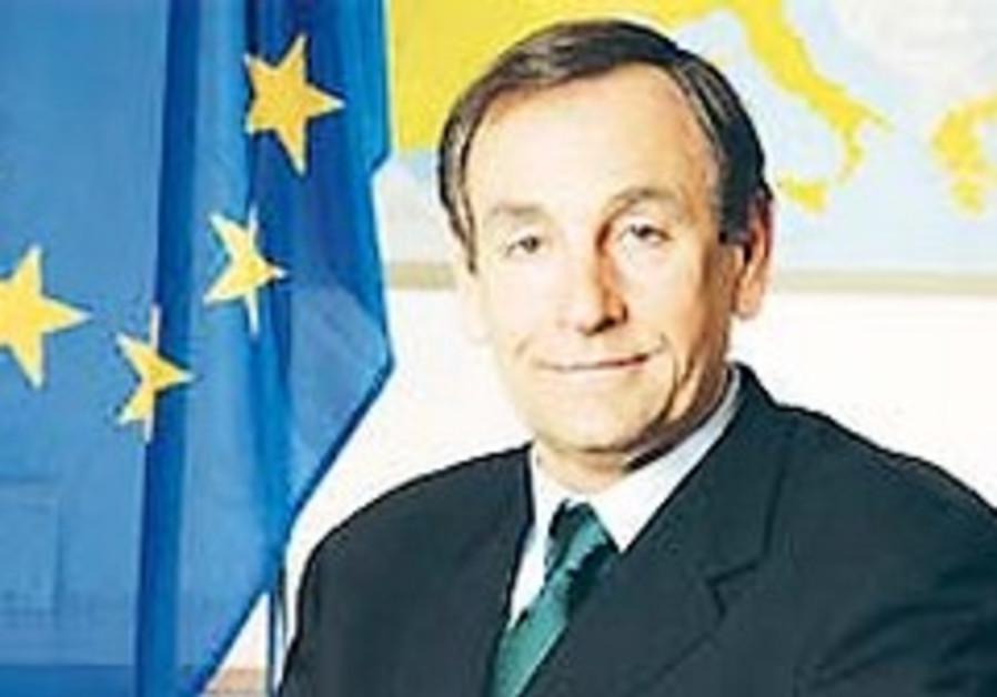 EU retracts statement on settlements