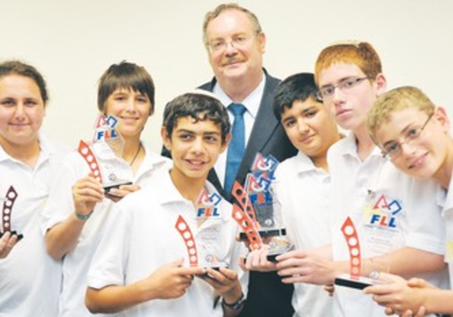 Students FLL Global Innovation