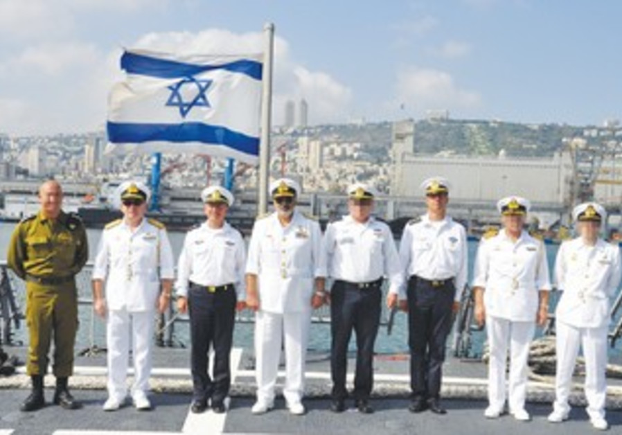Greek and Israeli naval officers