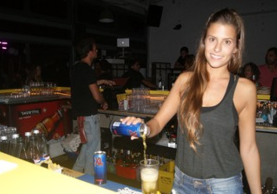 Bartender at Pineapple Express