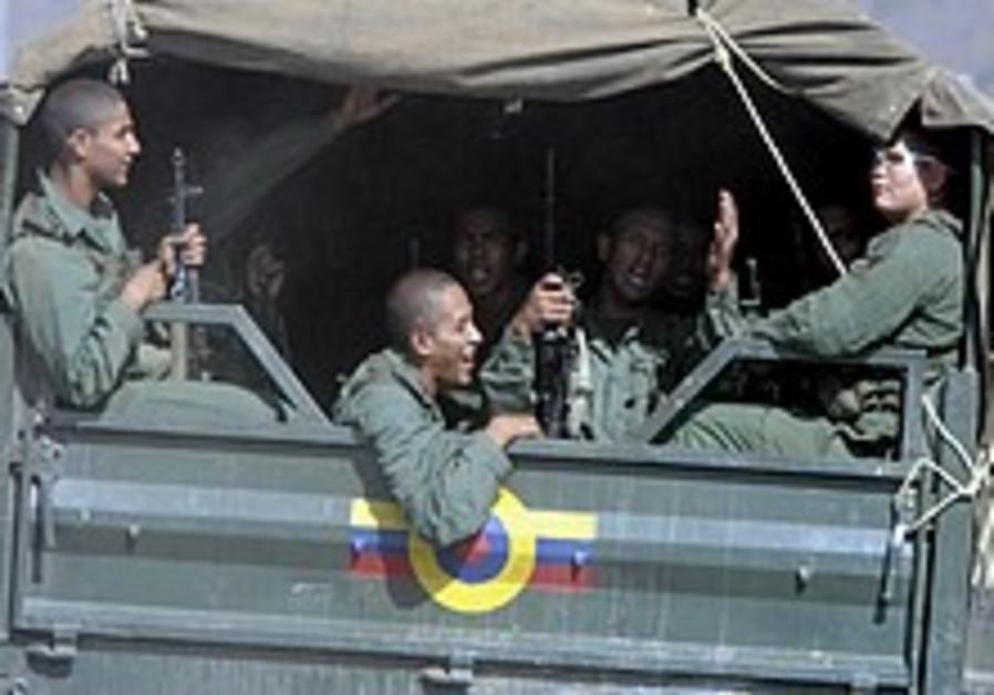 Venezuelan troops deployed to Colombian border