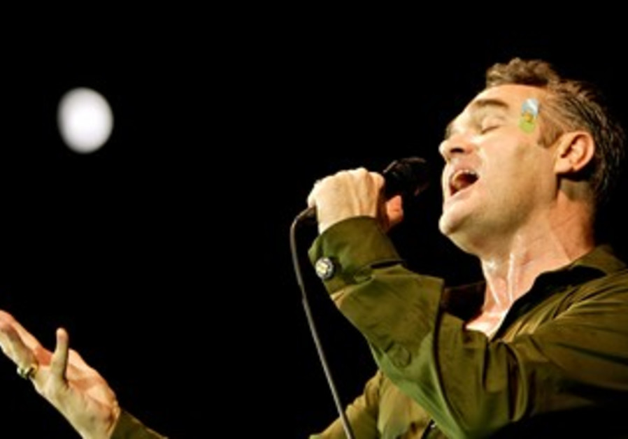 Morrissey performs live [file]
