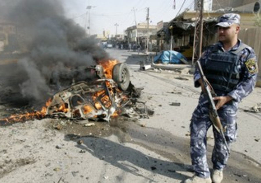 Iraqi police at site of Kirku bomb attack