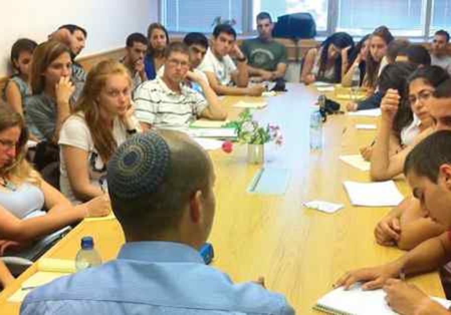 Rencontre avec des étudiants à Nazareth