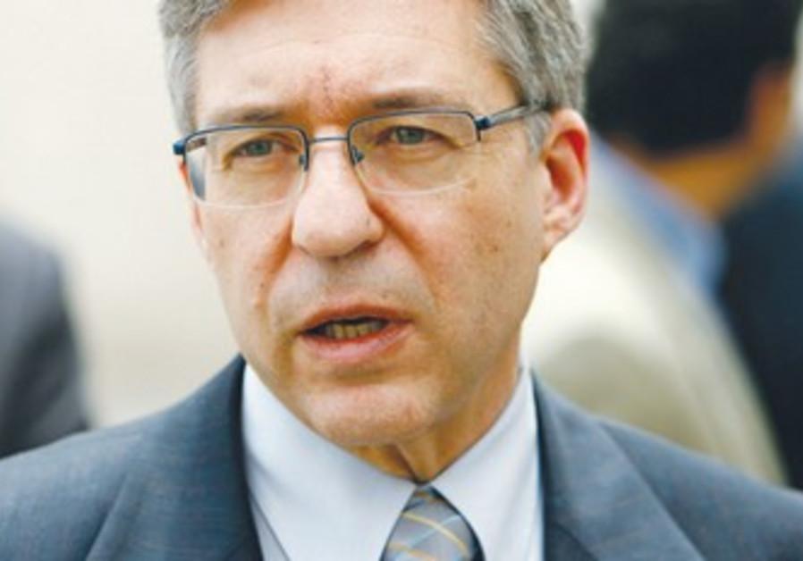 Yossi Beilin.