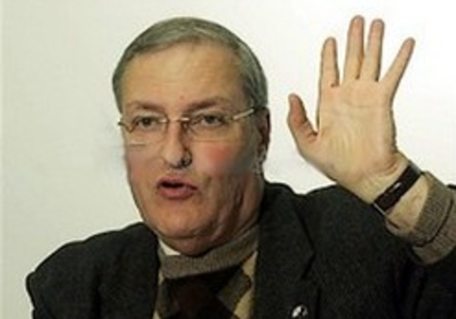 Serbian city grants Nazi hunter honorary citizenship
