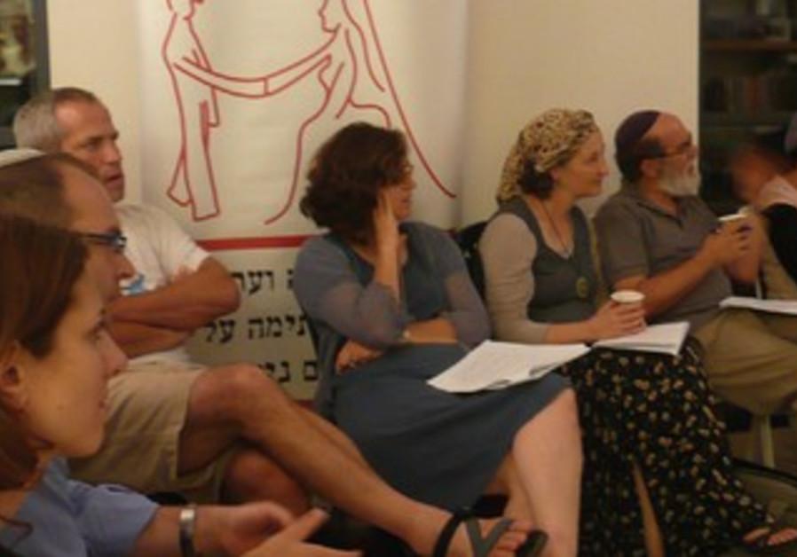Ceremony for Mavoi Satum's agreement for couples