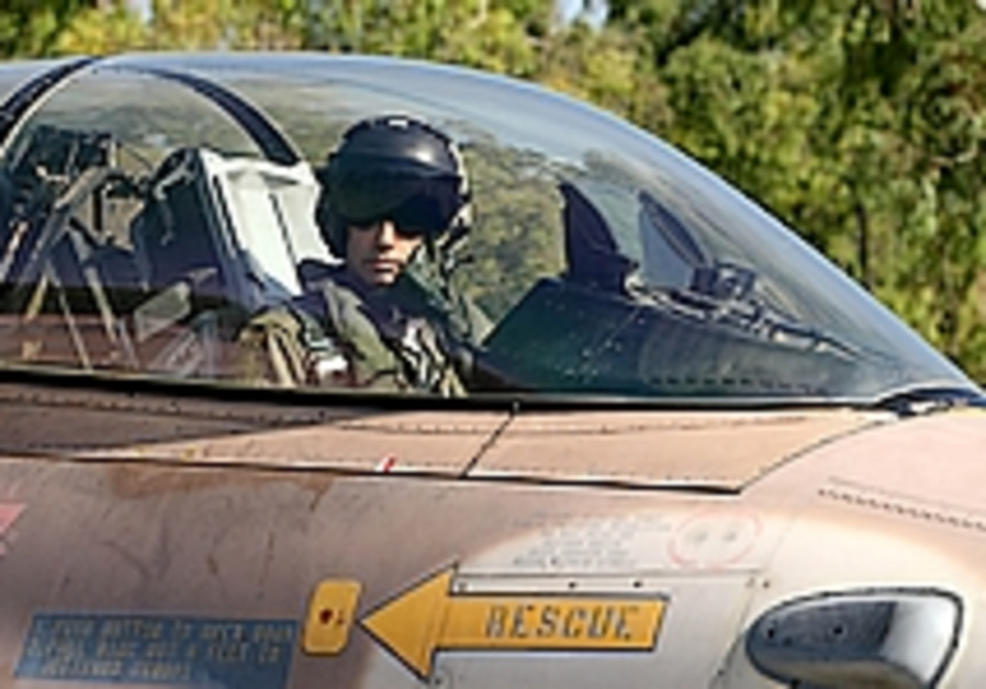 Pilots distressed by F-16 cancer probe