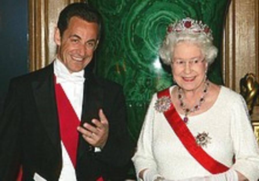 Sarkozy pledges more troops to Afghanistan on UK visit