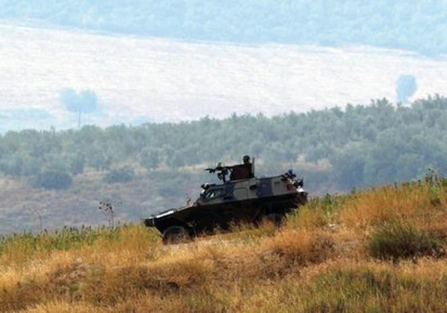 Soldats turcs en patrouille aux frontières