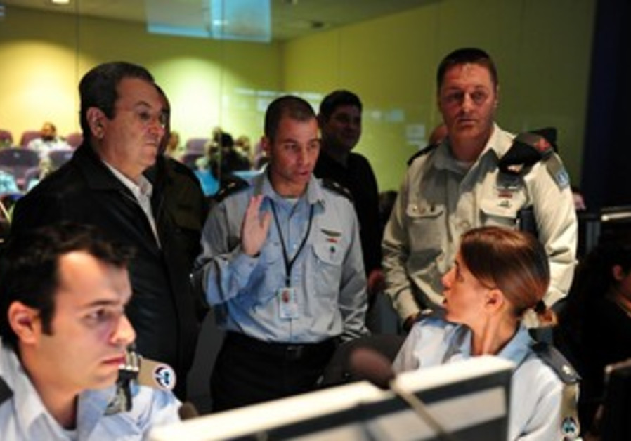 Ehud Barak at joint US-Israel drill