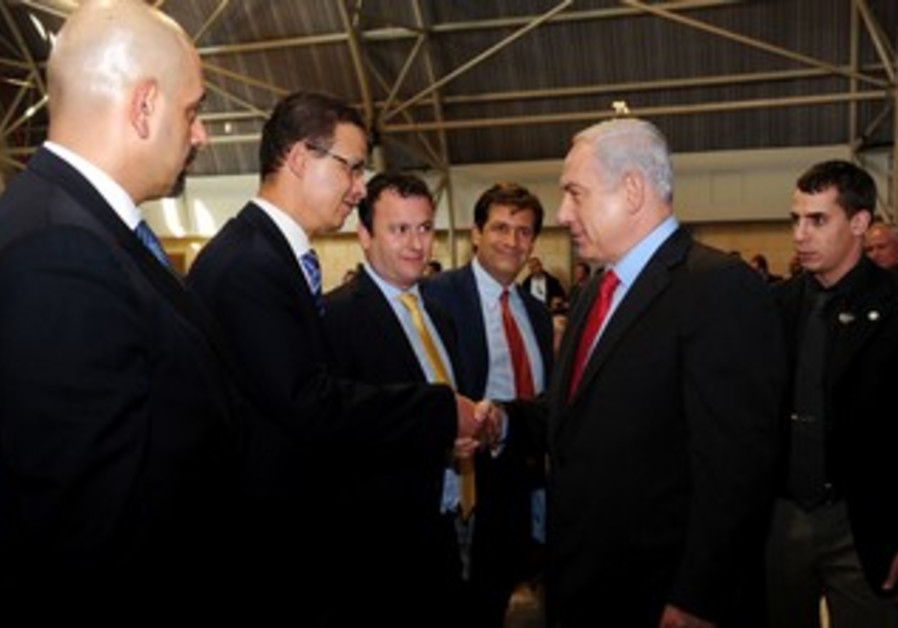 Netanyahu with foreign envoys.