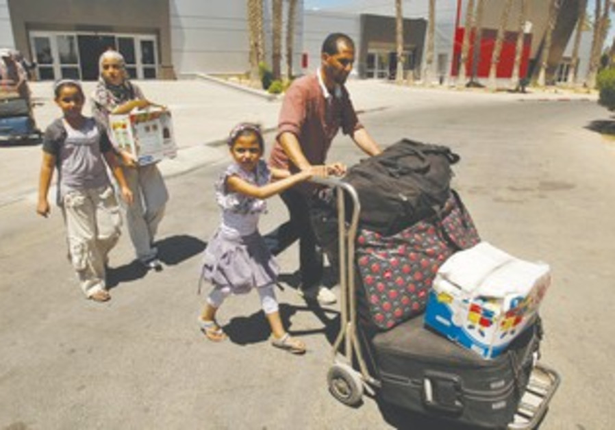 Gazans return home via Rafah crossing
