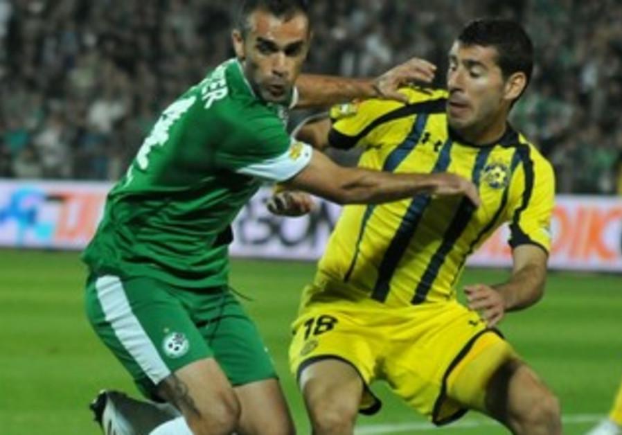Maccabi Haifa's Weeam Amasha, Maccabi TA's Tibe