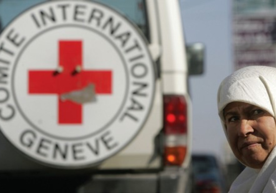 Camions de la Croix-Rouge internationale