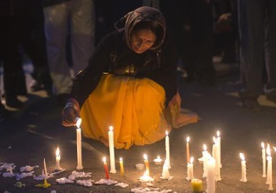 Candlelight vigil for Indian gang rape victim