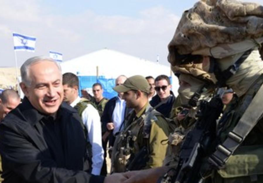 Netanyahu meets Rimon unit on Egypt border fence
