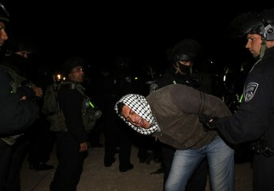 Police detain Palestinian man at E1 outpost