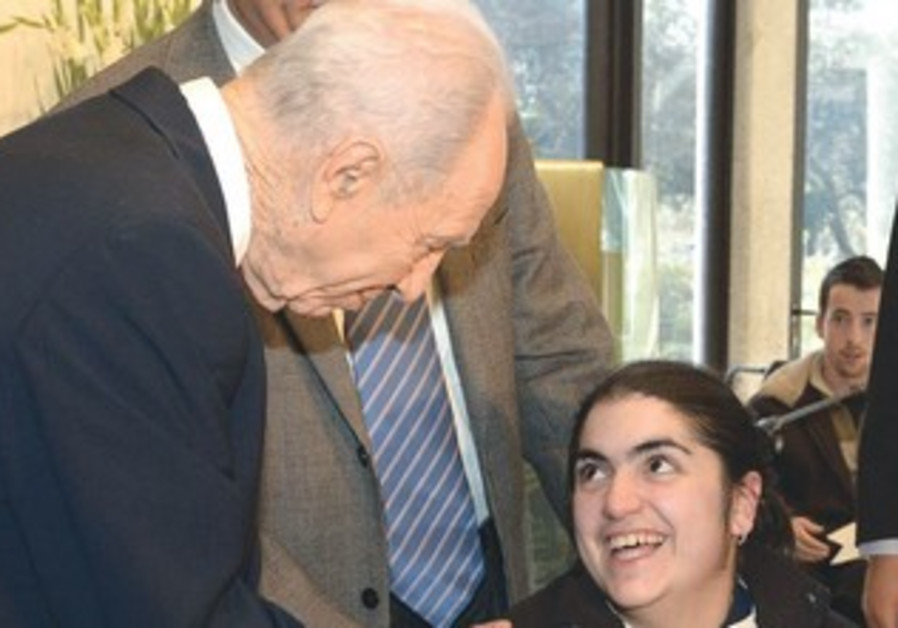 PERES greets Odelia Veknin, Jan. 13, 2013