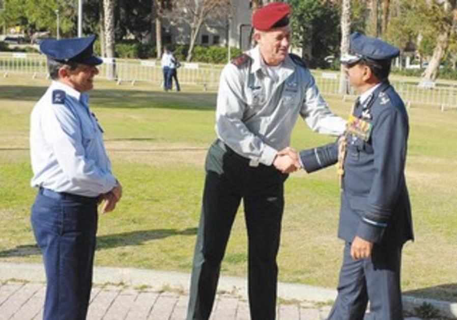 Gantz greets India's Air Chief Marshal Nak Browne