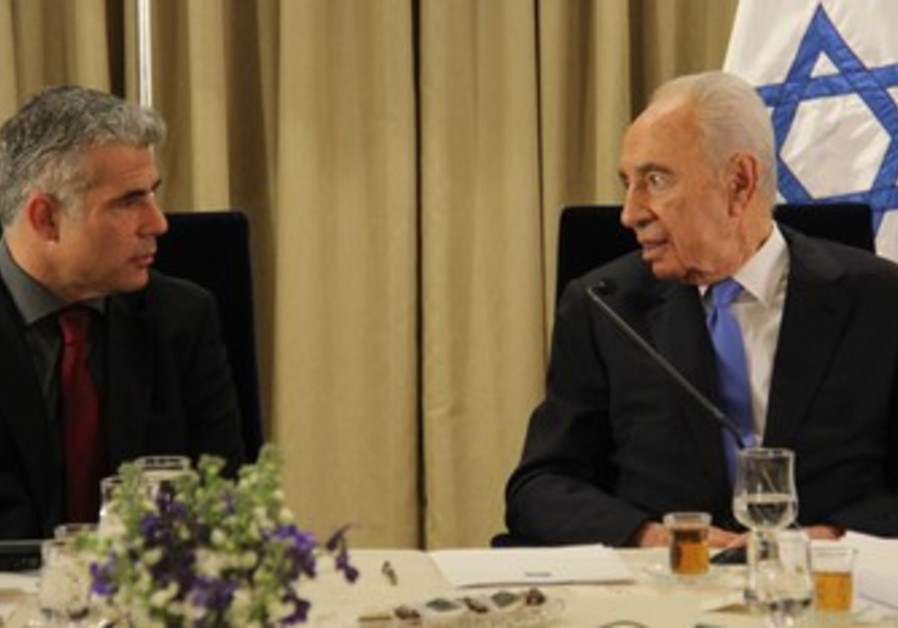 Peres meets ministers, for January 2013 coalition