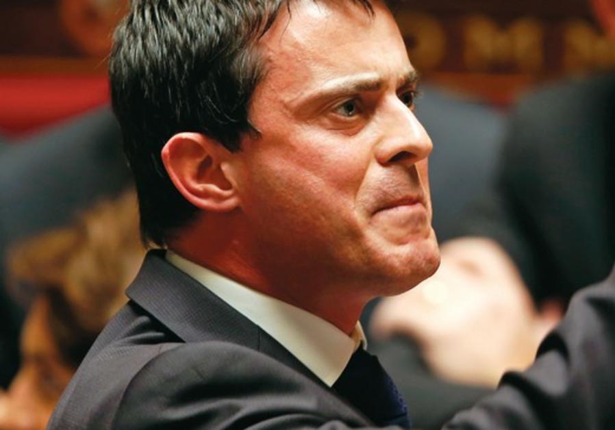 Seul parmi les apeurés de profession, Manuel Valls a fait preuve de courage.