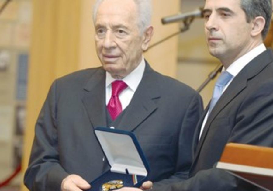 PRESIDENT SHIMON PERES (left) and Bulgarian President Rosen Plevneliev