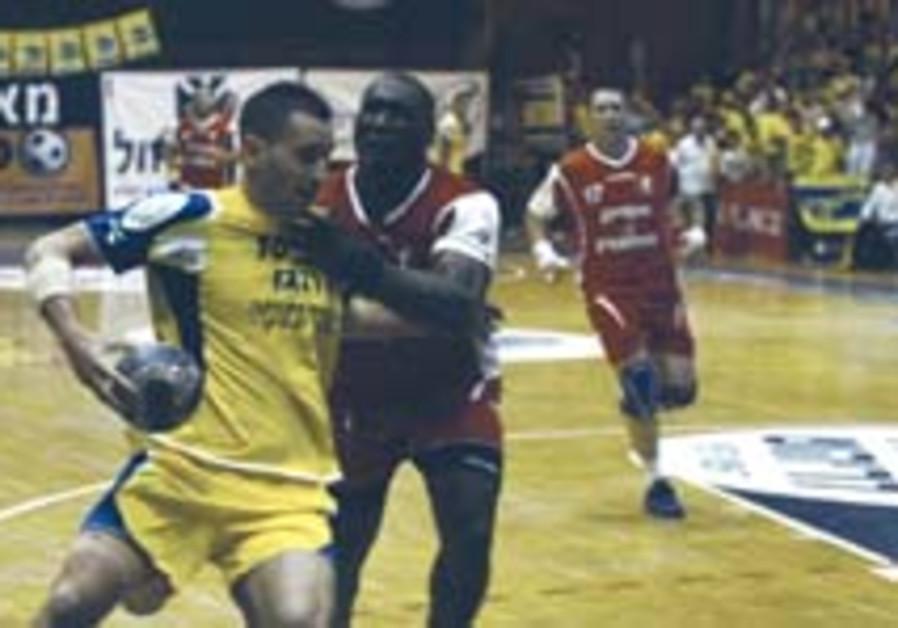 Maccabi wins Rishon battle for national handball title
