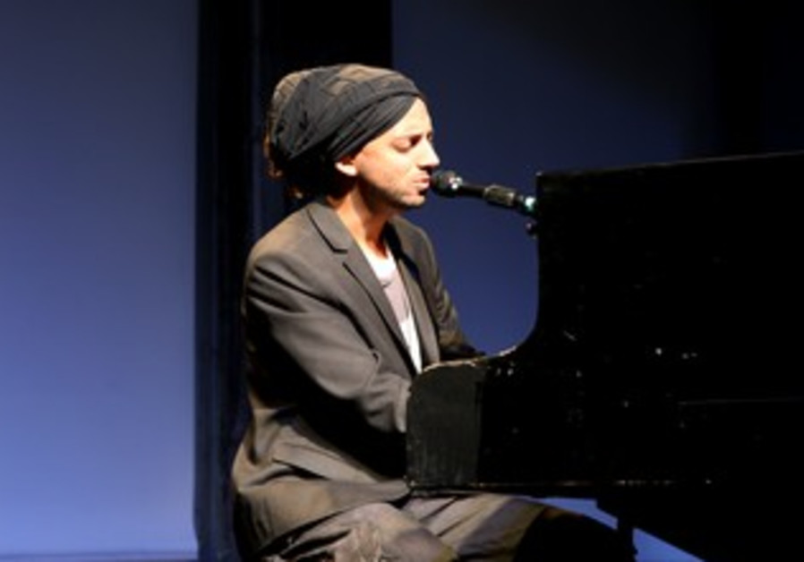 Idan Raichel shares snippets from new album, Tel Aviv