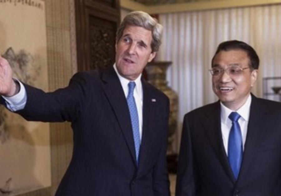 US Secretary of State John Kerry with Chinese Premier Li Keqiang.