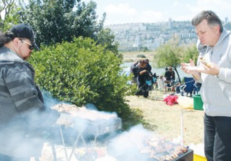 Barbecue at Kishon Park in Haifa
