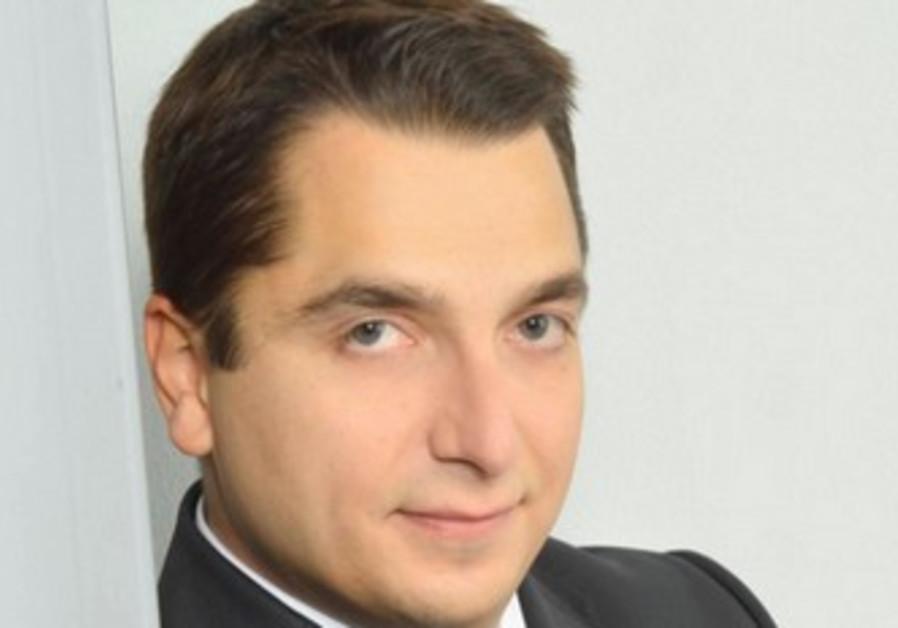 Pianist Igor Tchetuev