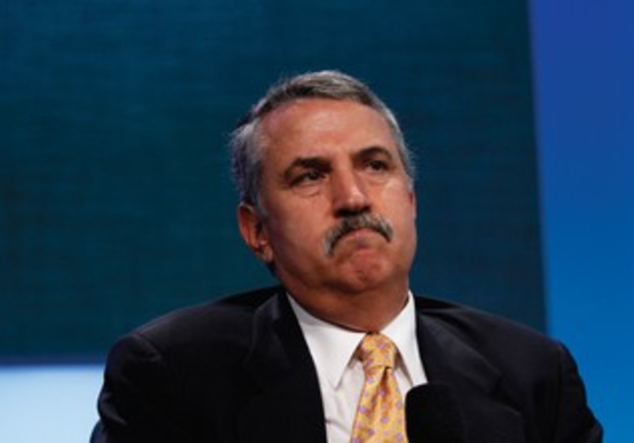 Thomas Friedman a columnist for 'The New York Times'