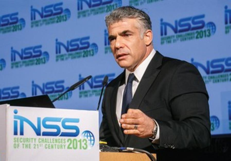 Yair Lapid part en guerre pour le budget